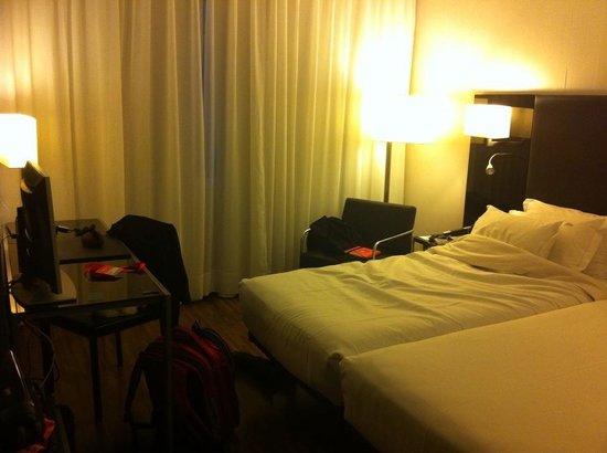 AC Hotel Madrid Feria: suficiente espacio para una persona en la doble