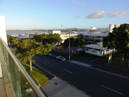 Quest Tauranga: Balcony view from our room.