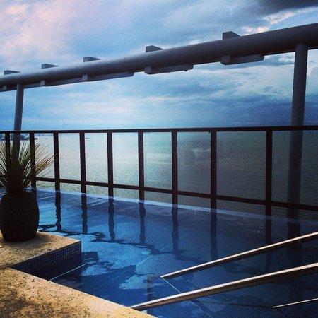 Novotel Florianopolis : Terraço com piscina.