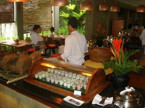 Maya Sari Restaurant: Burcher Musili and other goodies