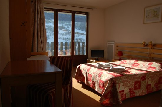 Hotel Plein Soleil : chambre lumineuse