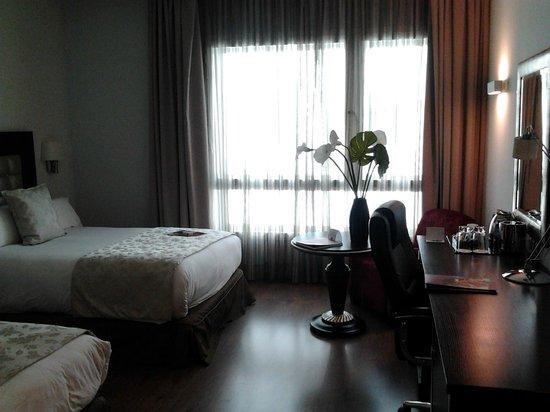 Crowne Plaza Madrid Airport: Room