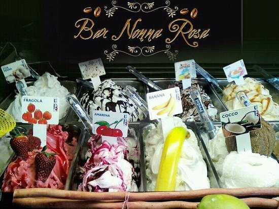 Сант-Оресте, Италия: Gelato fatto con la vecchia carpigiani e con il bastone,con frutta fresca