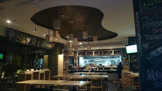 Artotel Surabaya: arotel cafe