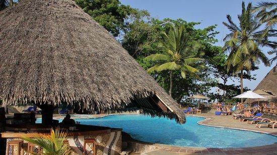 Pinewood Beach Resort & Spa: pool