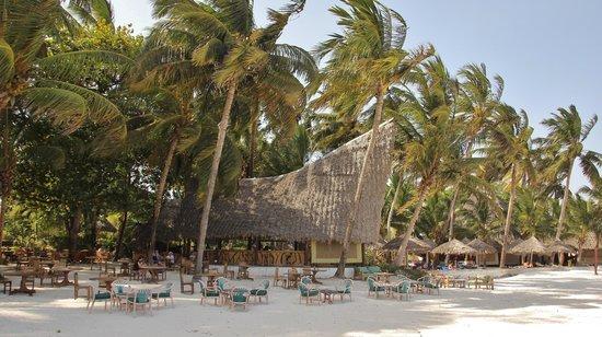 Pinewood Beach Resort & Spa: beach restaurant