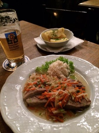 Gasthaus Isarthor: Bavarian pub dinner