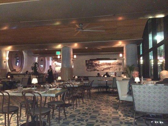 W Hollywood: Restaurant Delphine
