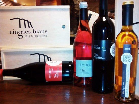 Arcs Restaurant: La primera cata-maridaje de este año 2014, con Bodega CINGLES BLAUS, D.O Montsant. Buenos vinos,