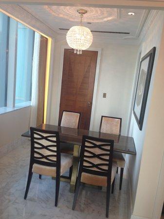 The St. Regis Abu Dhabi: St regis suite: dining area