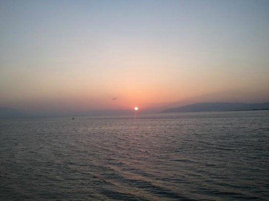 Cem Hotel: Lake Iznik sunset