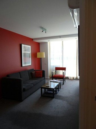 Adina Apartment Hotel Melbourne Northbank : Living room