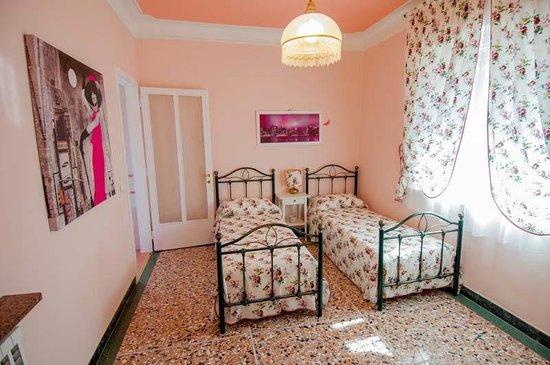 Bed & Breakfast Gasiso: camera rosa