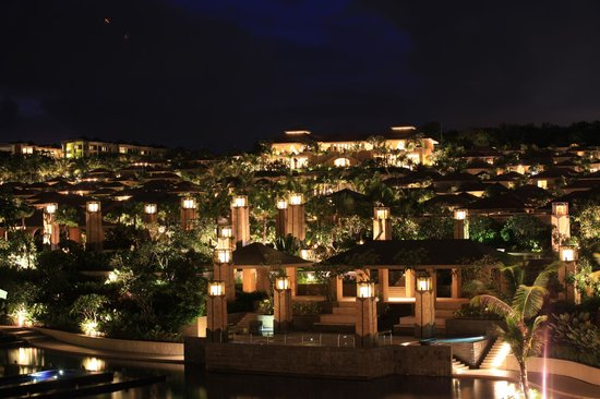 The Mulia: Night View of Mulia Villa from Mulia Resort