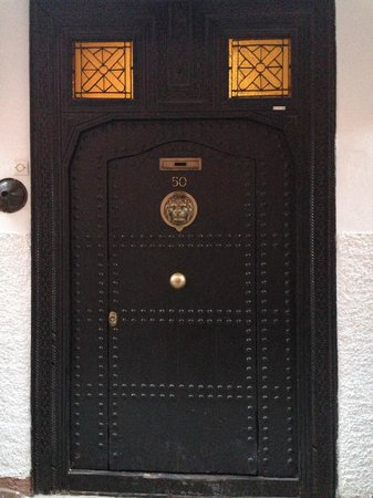 Riad le Clos des Arts : The front door to the Riad.