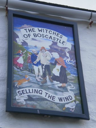 The Museum of Witchcraft and Magic: Boscastle witches sign