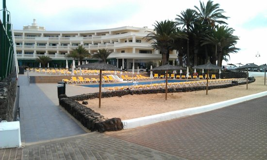 IBEROSTAR Lanzarote Park - TEMPORARILY CLOSED : View from the beach