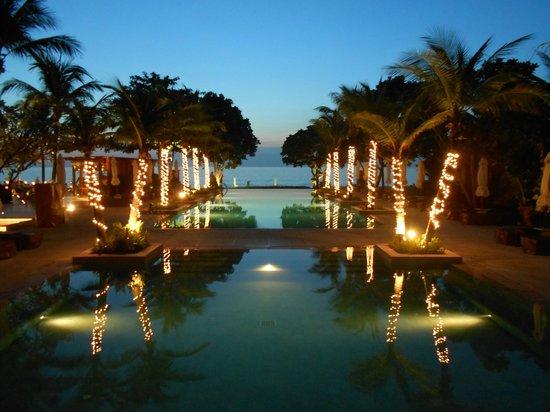 Layana Resort and Spa: Infinity pool