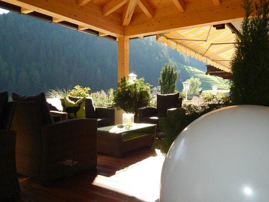 Gartenlounge  Garten Lounge - Picture of Hotel Passeirerhof, San Leonardo in ...