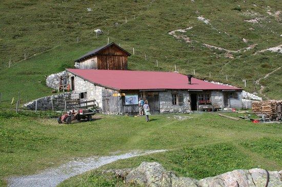 Berggasthaus Obersteinberg: Oberstenberg-Cheese building
