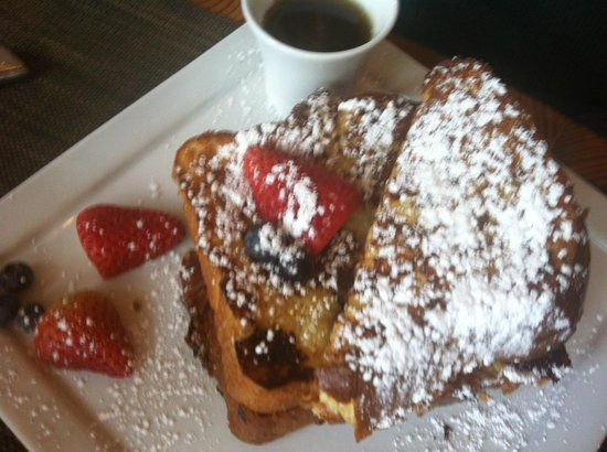 Stowe Mountain Lodge : Mmmmmm french toast heaven.