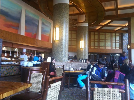 Stowe Mountain Lodge : Breakfast at solstice.