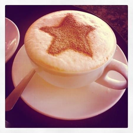 Cafe Parisien: cappuccino...