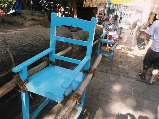 Elephanta Caves : the chair ride
