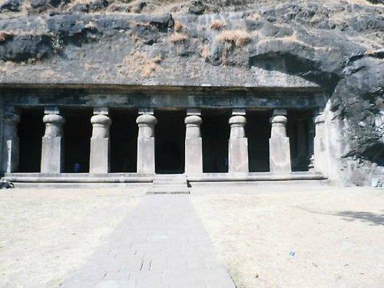 Elephanta Caves : caves