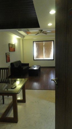 Cambay Resort Udaipur: suite room view on entrance