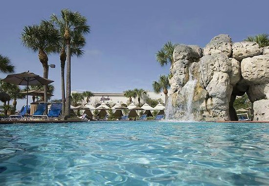 Clearwater Beach Marriott Suites on Sand Key: pool with rock waterfall
