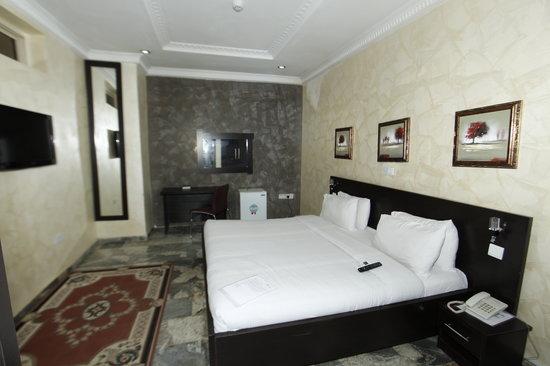 3J's Hotels: 3J'S Royal Suite