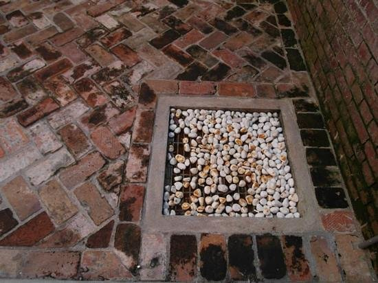 Bopiliao Ancient Street: Rainwater drainage (I assume)