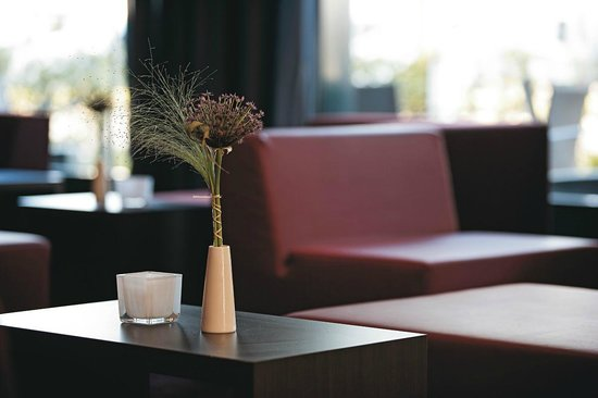 IntercityHotel Berlin-Brandenburg Airport: Lounge