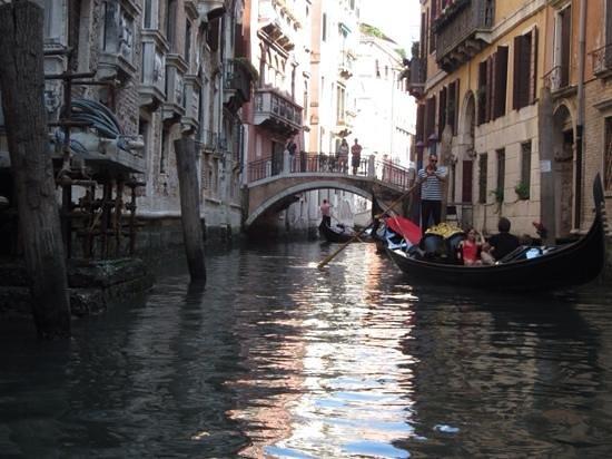 Palace Bonvecchiati: small canal