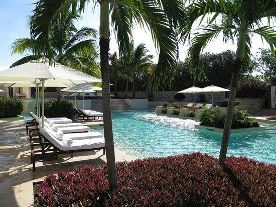 Rosewood Mayakoba: Inland pool - very quiet