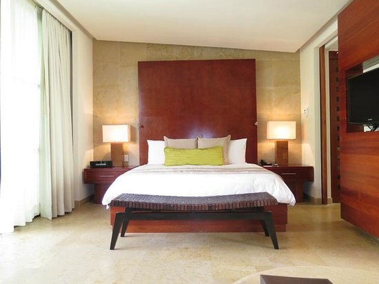 Rosewood Mayakoba: King size bed