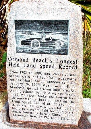 Ocean East Resort Club : Memorial stones at Granada Boulevard Park by the Beach