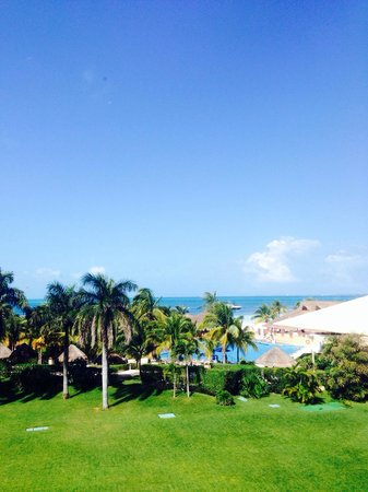 Presidente InterContinental Cancun Resort: View from ocean view room