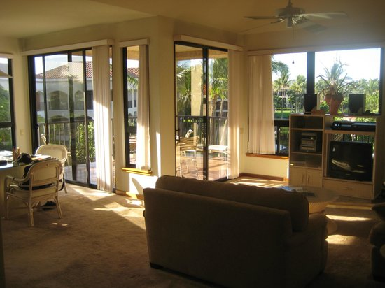 Aston Shores at Waikoloa: More living room photos