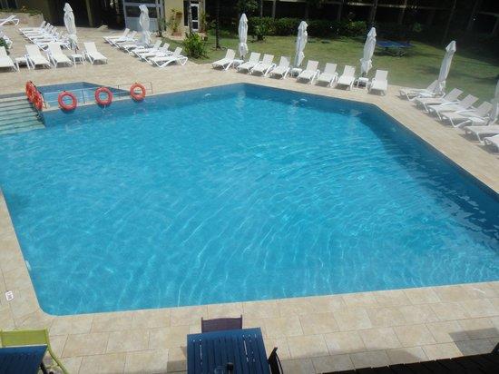 Coral Strand Smart Choice Hotel Seychelles: pool