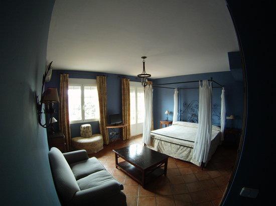 Alojamiento La Pedriza: Hab junior suite 01