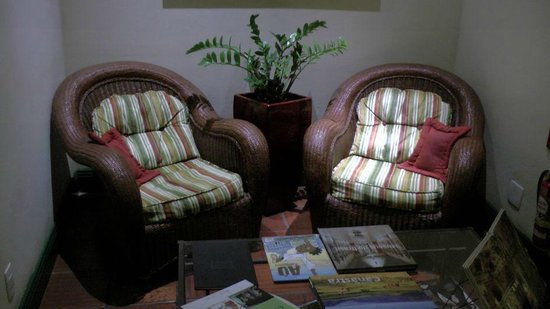 Hotel Casa do Amarelindo : Sitzgruppe an der Rezeption