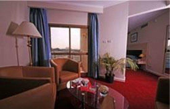 Aracan Pyramids Hotel: Horizon Pyramid Hotel