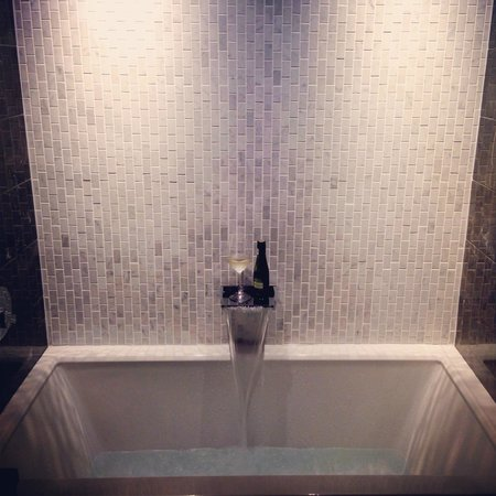 Loden Hotel : Cloud 9 Soaking Tub