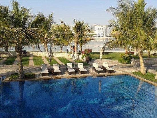 Traders Hotel, Qaryat Al Beri, Abu Dhabi: pool area