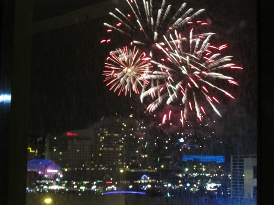 PARKROYAL Darling Harbour Sydney: View from our room on Christmas Eve