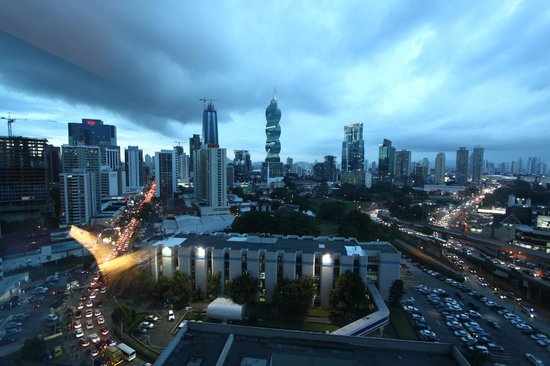 Hard Rock Hotel Panama Megapolis: panoramica di sera dalla camera
