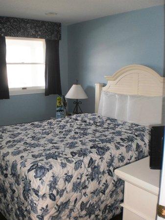 Edgewater Beach Resort: beautiful room