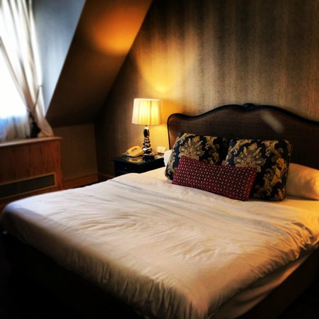 Friday Hotel Prague: The room we stayed in at Firday Hotel Prague - December 2013.